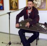 Вдохновленный чувашской культурой, гусляр Гудимир запел на чувашском языке